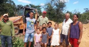 Agricultores familiares das Aldeias Embaúba e Riacho dos Buritis são beneficiados com construção de tecnologias sociais