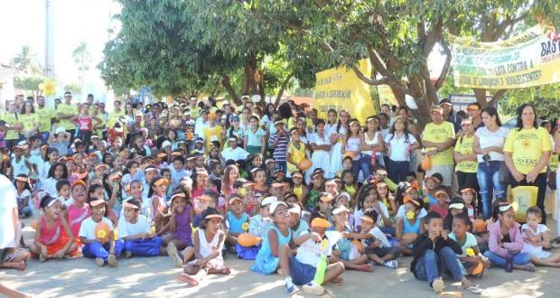 Secretaria Municipal de Desenvolvimento Social realizou a 3ª Caminhada de Combate ao Abuso e Exploração Sexual de Crianças e Adolescentes