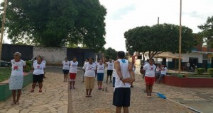 Núcleo de Apoio à Saúde da Família (NASF) de São João das Missões realiza caminhada orientada com incentivo à prática de atividades físicas