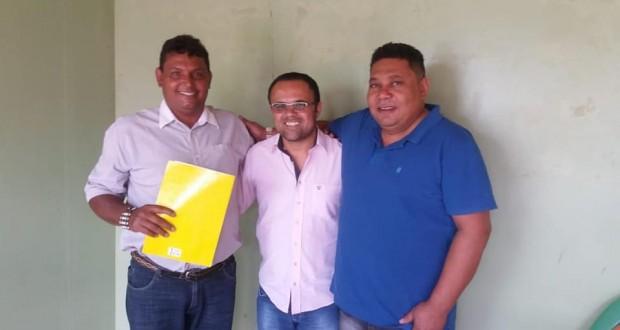 Prefeitura de São João das Missões apresenta demandas municipais ao Deputado Estadual Eleito Zé Reis