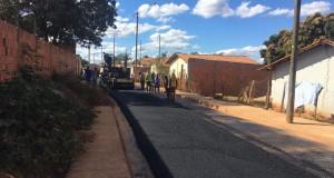 Prefeitura de São João das Missões realiza pavimentação asfáltica em várias ruas do município